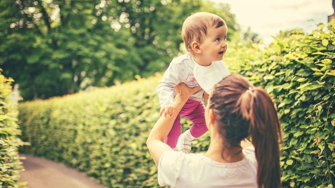 Servizi-di-assistenza-allinfanzia-come-scegliere-la-babysitter